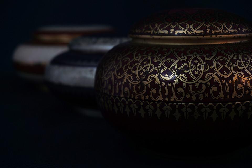 Memorial Cremations Urn